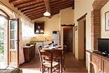 Farm Holidays with pool near Cortona: Self Catering Apartment to let.