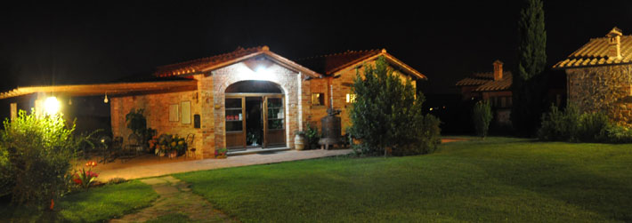 Farmhouse with swimming pool for holidays in Arezzo, Tuscany, Italy