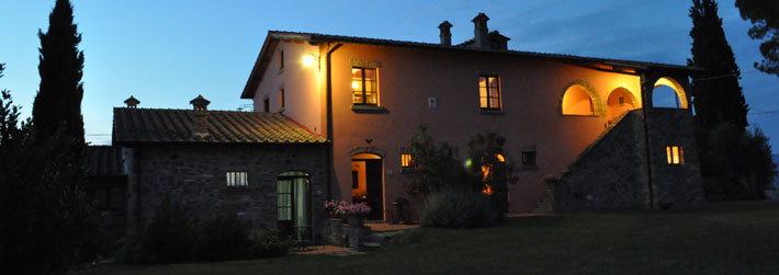 Farm holidays with apartments to let near Cortona, Tuscany, Italy. Monte San Savino
